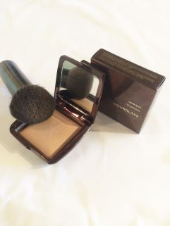 Getting Ready Report Beauty Interview with Alison Halleran Owner of Opal + Onyx Hourglass Ambient Powder